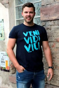 SCALLYWAG® HOCKEY T-Shirt VENI VIDI VICI