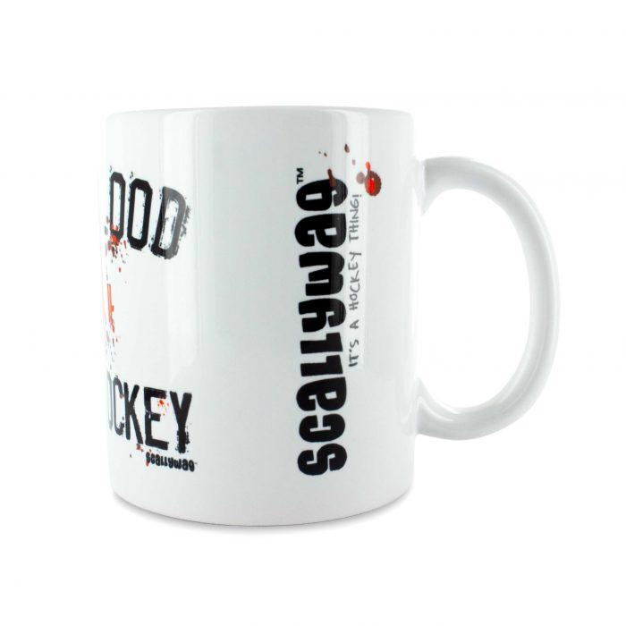 Eishockey Tasse von SCALLYWAG® Modell GIVE BLOOD, Seitenansicht SCALLYWAG®-Logo sichtbar.