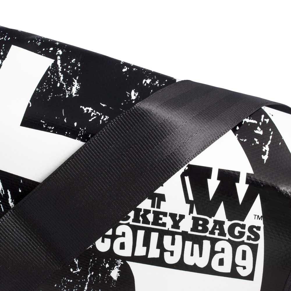 Eishockey Messenger Bag von SCALLYWG® Modell RAW HOCKEY. Ansicht Aufdruck.