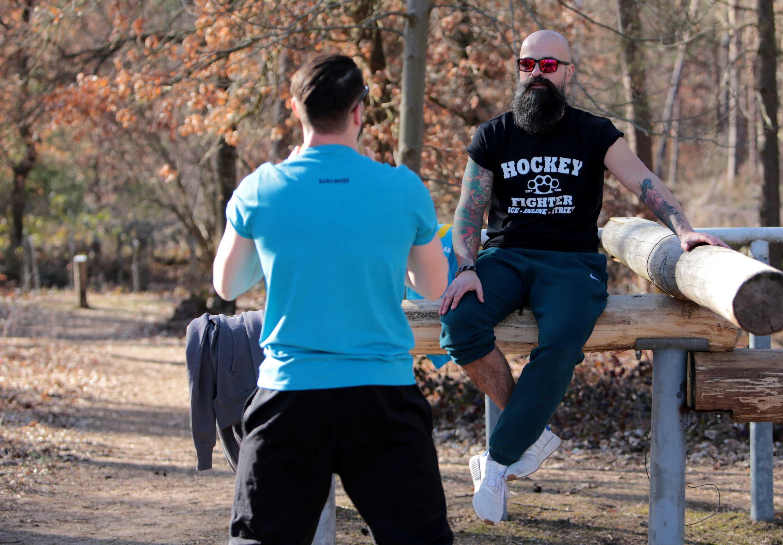 SCALLYWAG® Eishockey T-Shirt Modell HOCKEY FIGHTER in schwarz.
